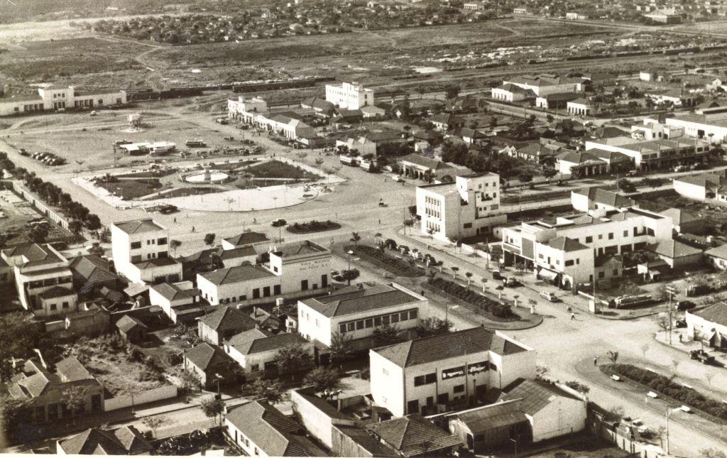Avenida Getúlio Vargas x Avenida Brasil - Década de 1950