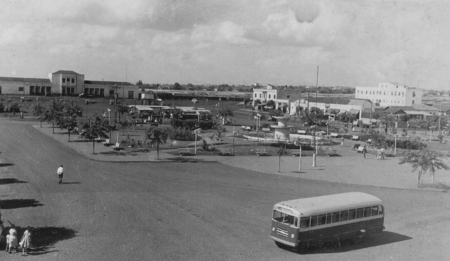 Praça Raposo Tavares - Novembro de 1957