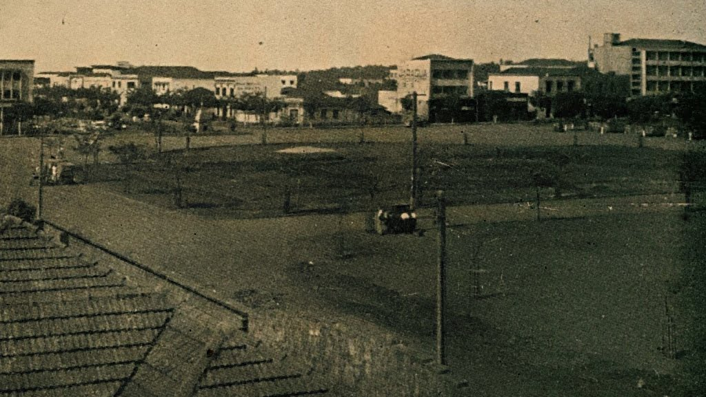 Praça Raposo Tavares antes da Fonte Luminosa