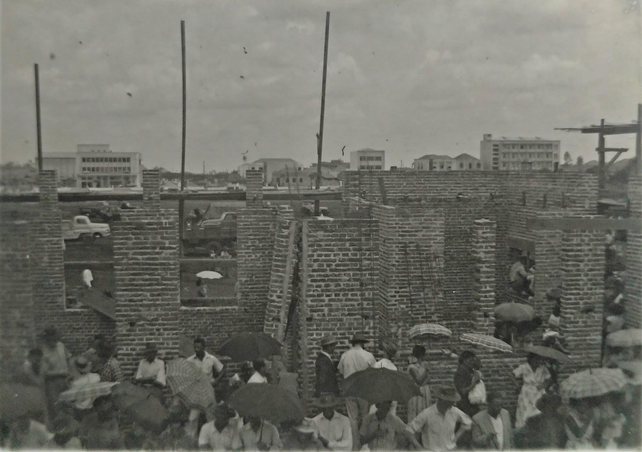 Estação Ferroviária ainda em obras - 1954