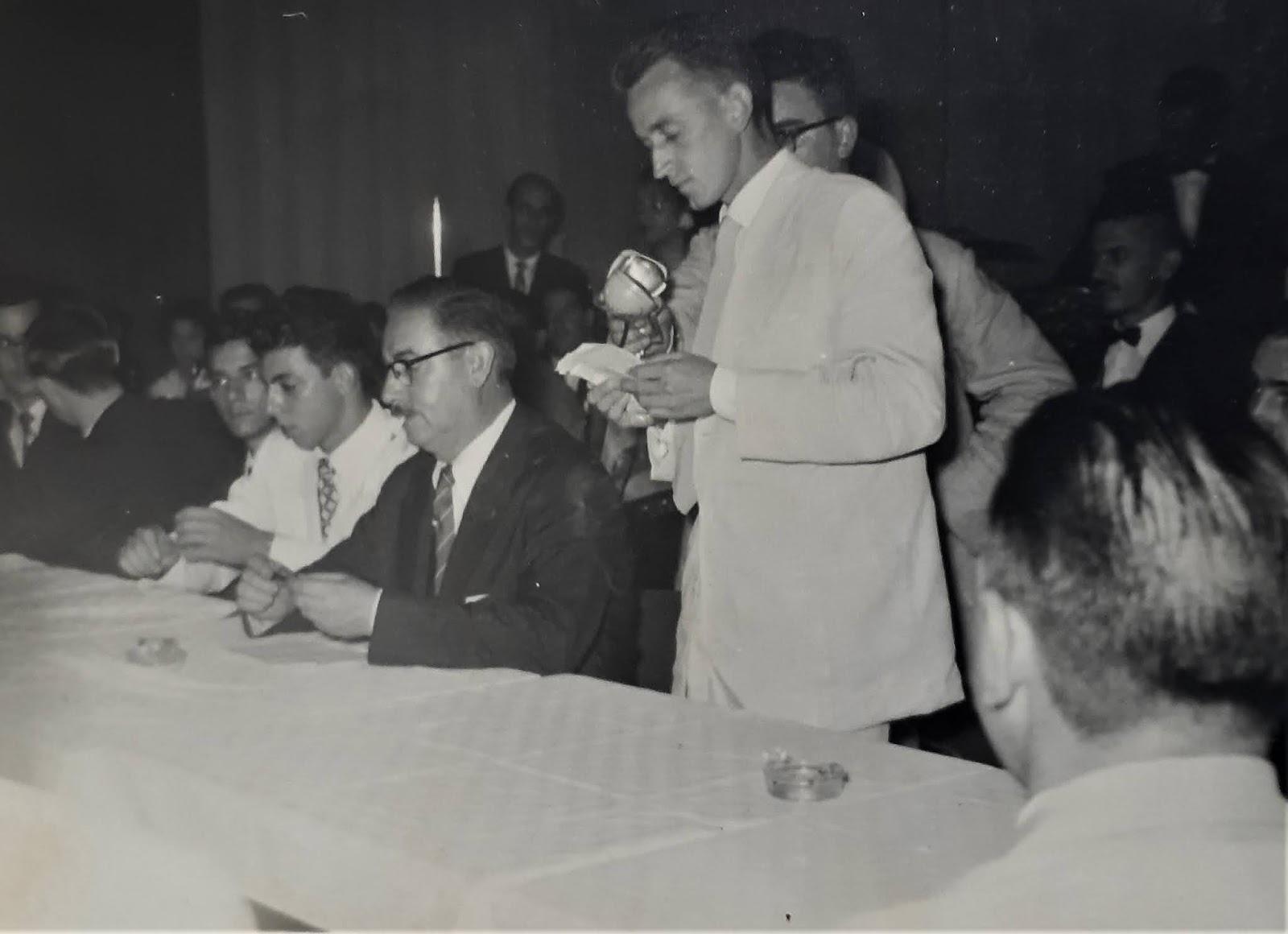 Posse do 1º presidente do Grêmio dos Comerciários - 1957
