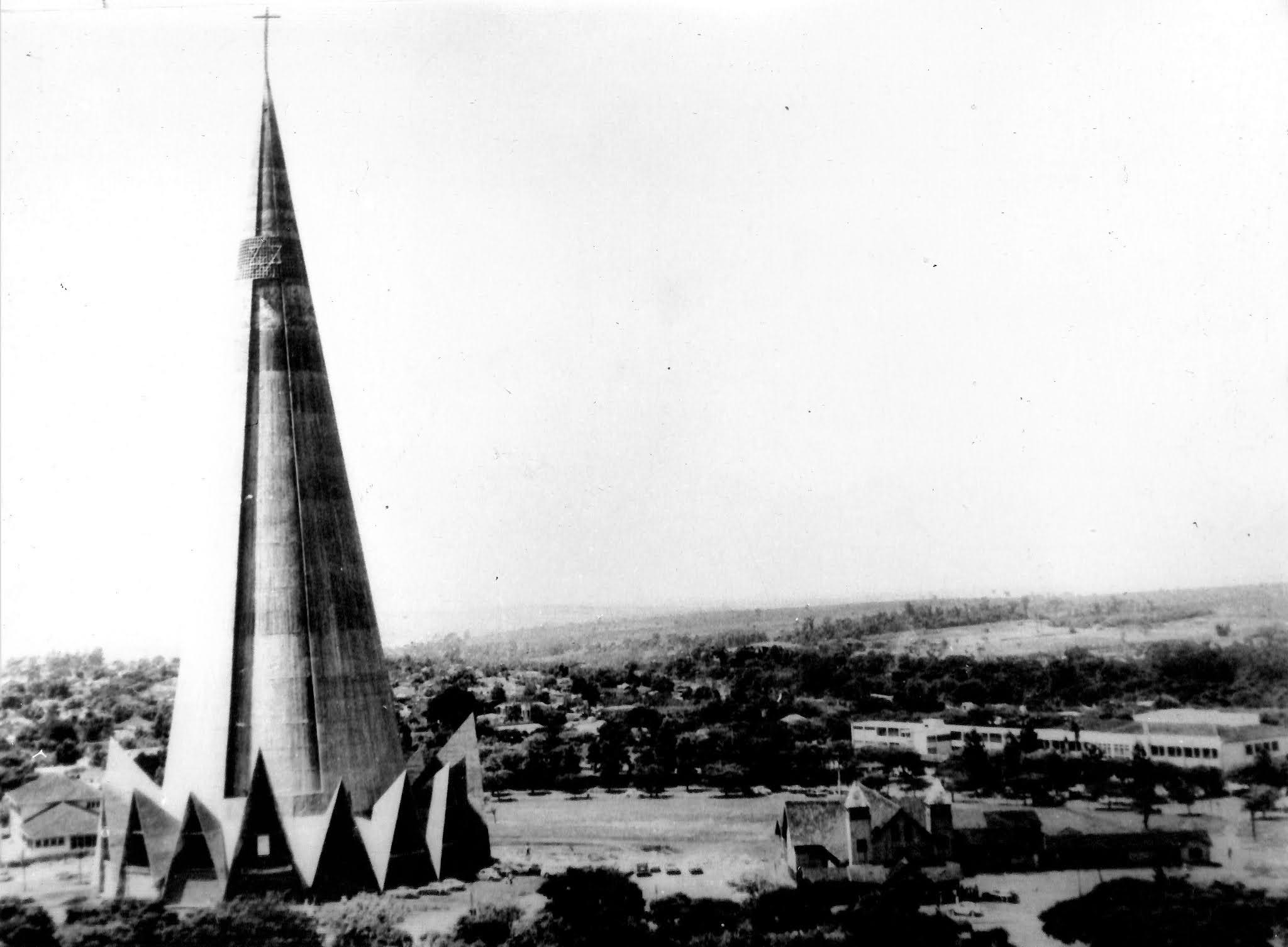 Estrela de Davi no topo da Catedral - 1972