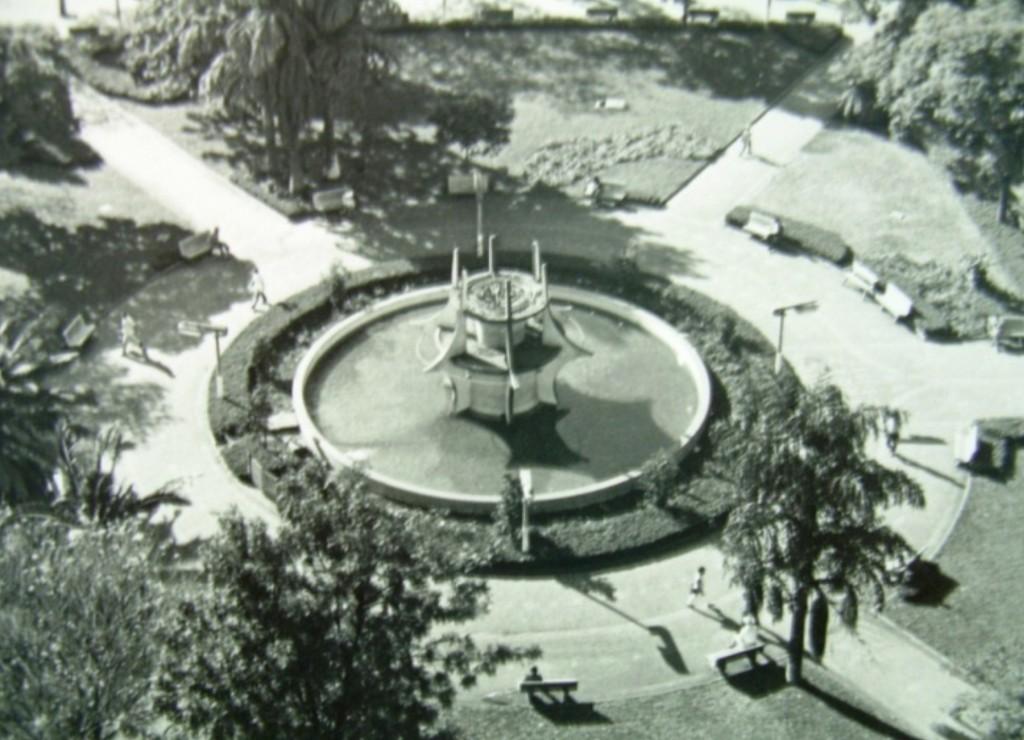 Fonte Luminosa - Praça Raposo Tavares