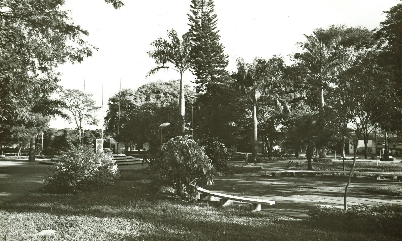 Praça Rocha Pombo - Década de 1980
