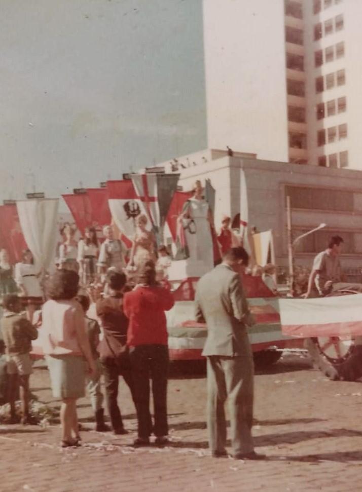 Desfile de aniversário de Maringá - 1969