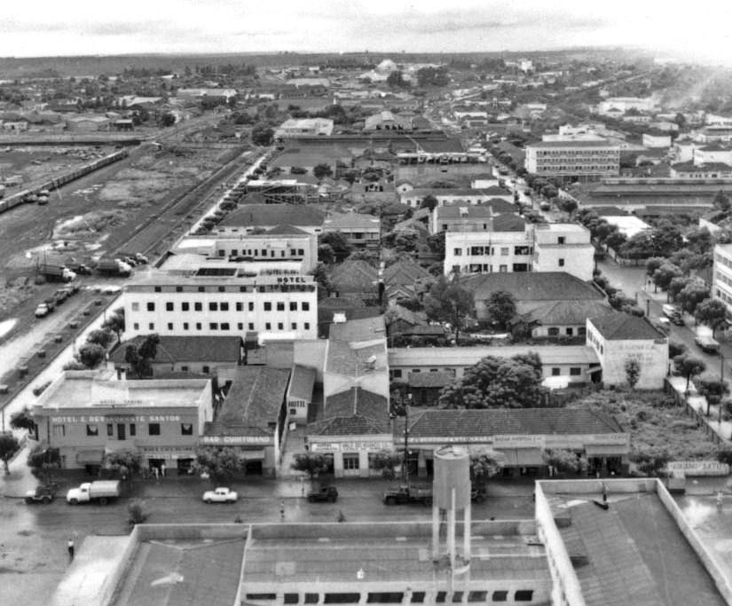 Hotéis nas proximidades da Estação Ferroviária e Rodoviária - Década de 1960