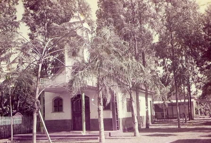 Funerária Maringá e capela mortuária - 1975