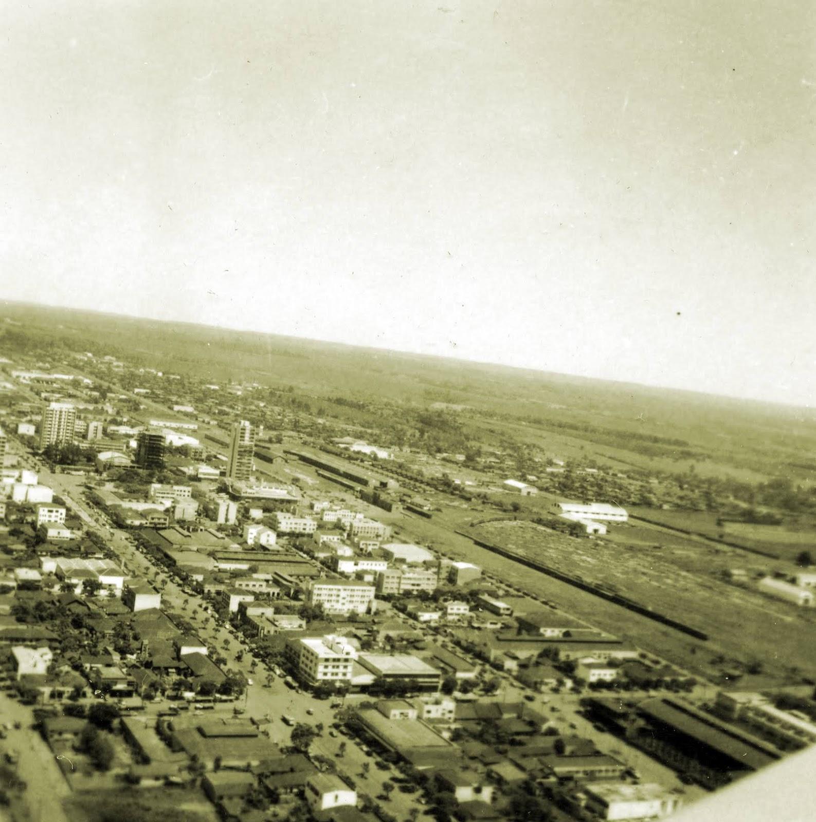 Vista aérea de Maringá - Final da década de 1960 (sob outro ângulo)