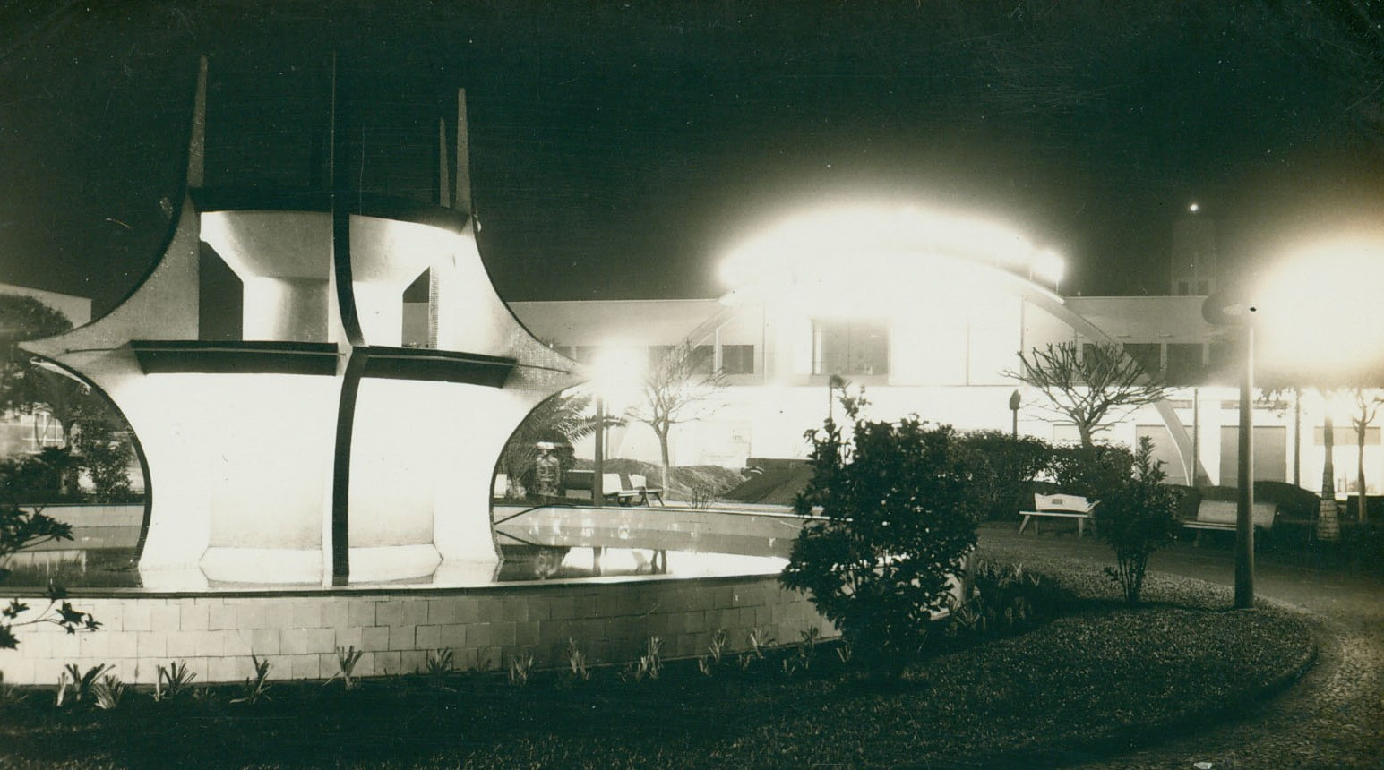 Fonte Luminosa e Rodoviária - Década de 1960