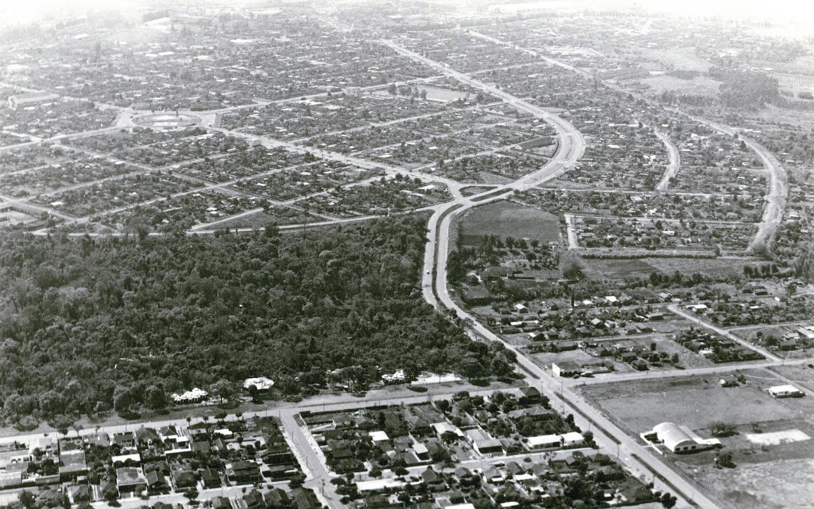 Vista aérea do Parque do Ingá e Zona 8 - Década de 1970