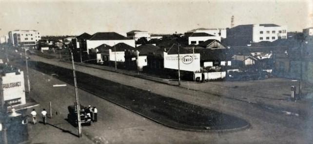 Avenida Brasil esquina com a avenida Paraná - 1955