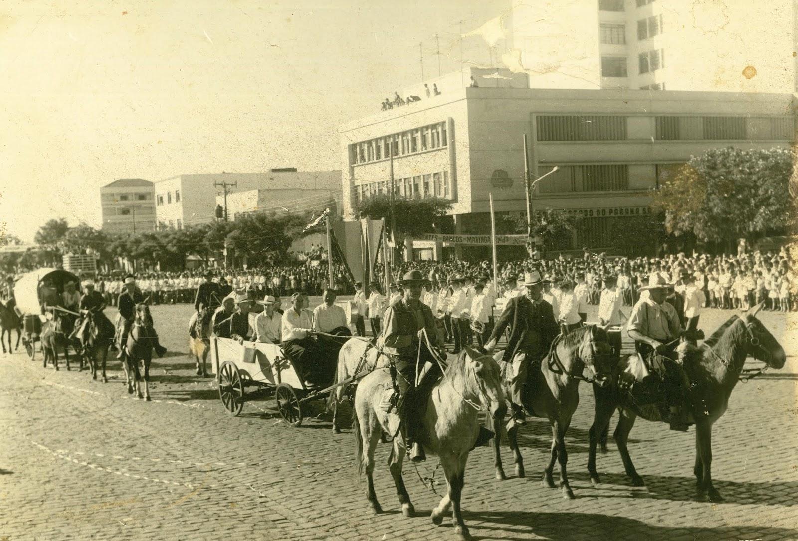 Desfile de aniversário de Maringá - 1967