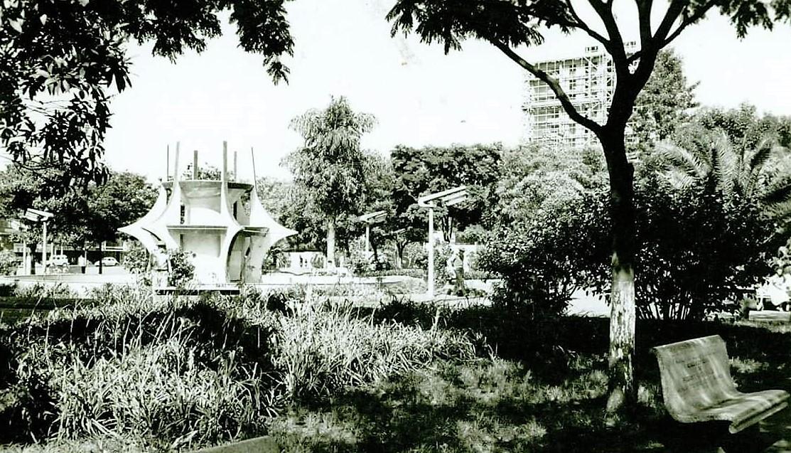 Praça Raposo Tavares - Final dos anos 1960