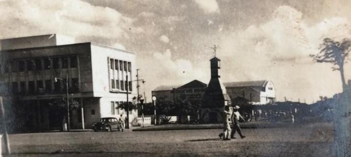 Avenida Getúlio Vargas esquina com a avenida Brasil - 1956
