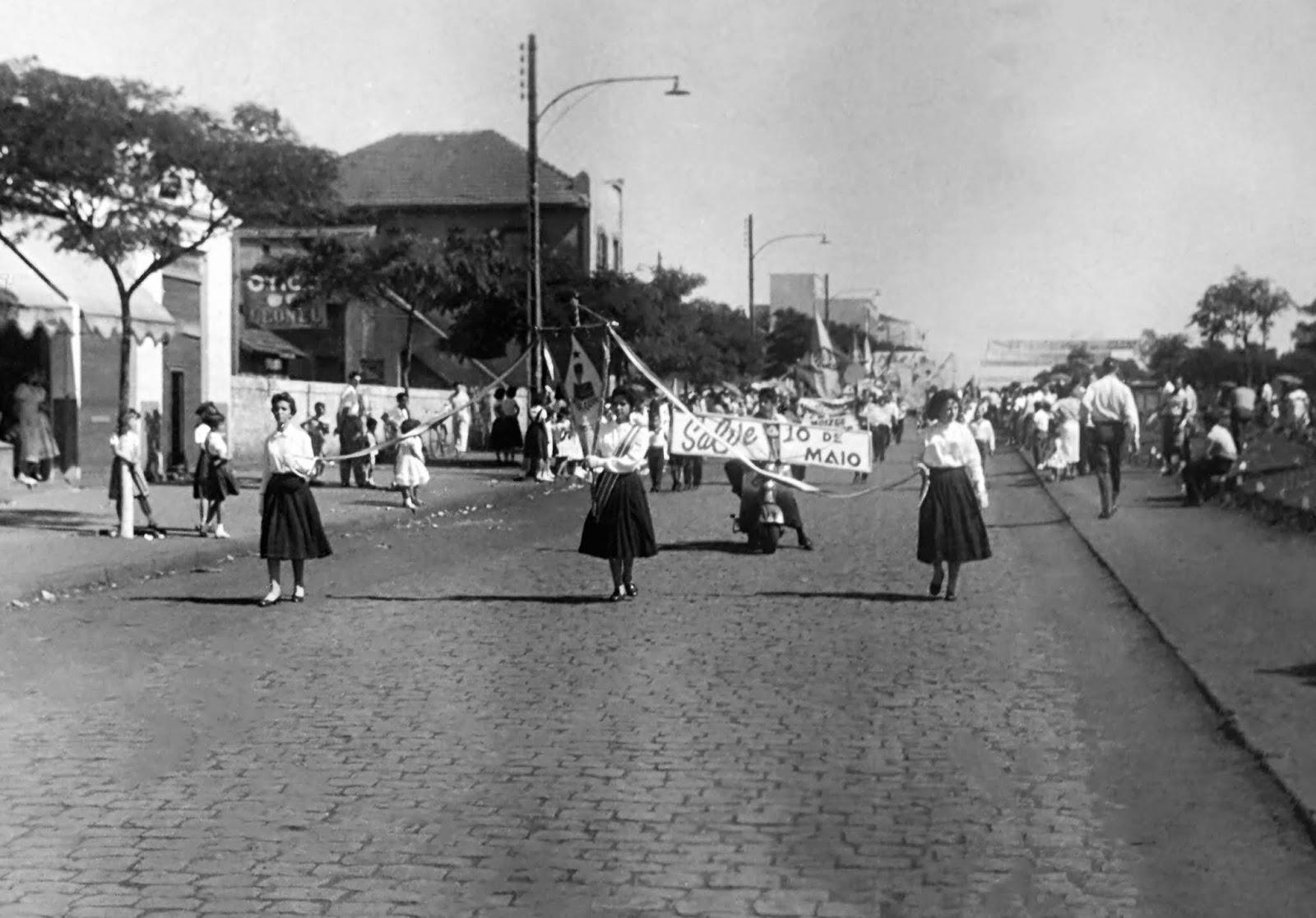Desfile de aniversário da cidade - 1962