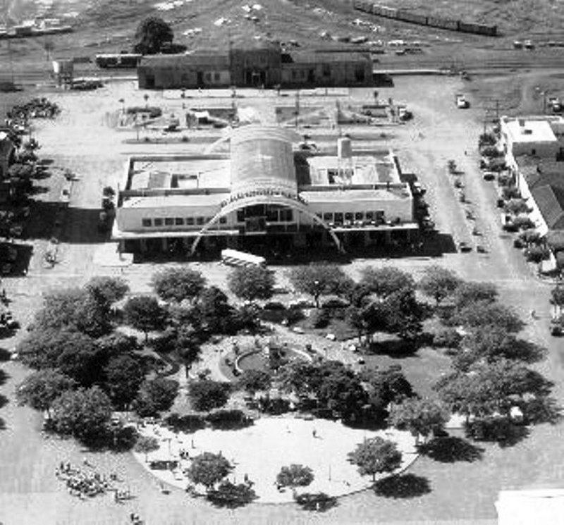 Estações Ferroviária e Rodoviária de Maringá - Década de 1960