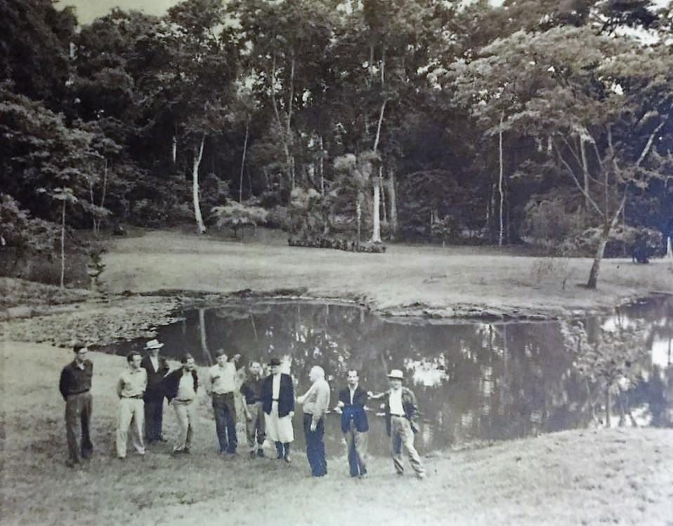 Hugh Benneth em visita ao Horto Florestal - 1956