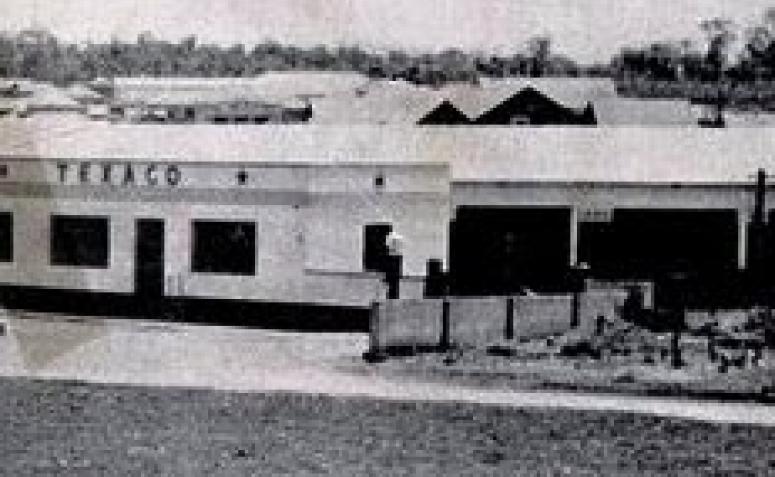 Outra perspectiva do Posto Texaco - 1949