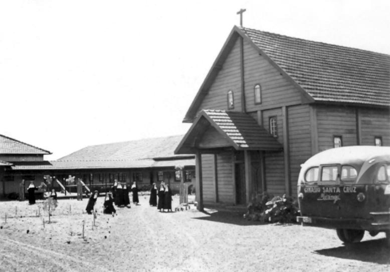 Capela Santa Cruz e Ginásio Santa Cruz - Década de 1950