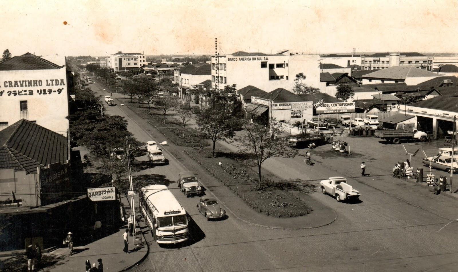 Avenida Brasil esquina a avenida Paraná - Final dos anos 1960