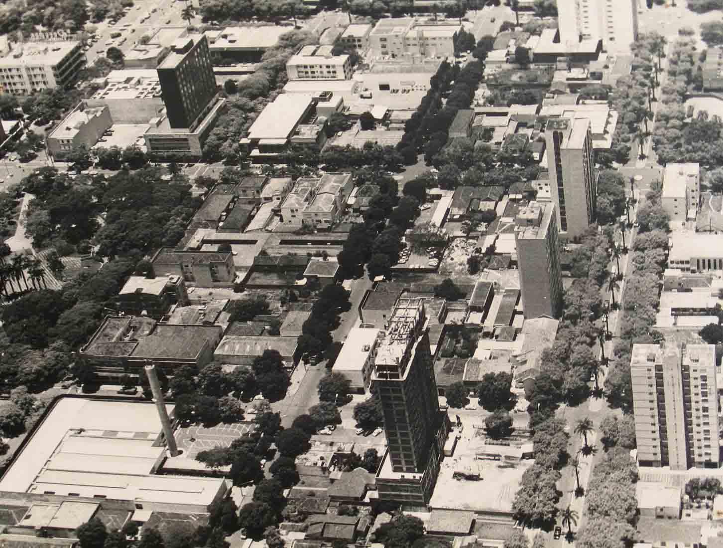 Avenida XV de Novembro / Rua Néo Alves Martins / Rua Santos Dumont - 1982