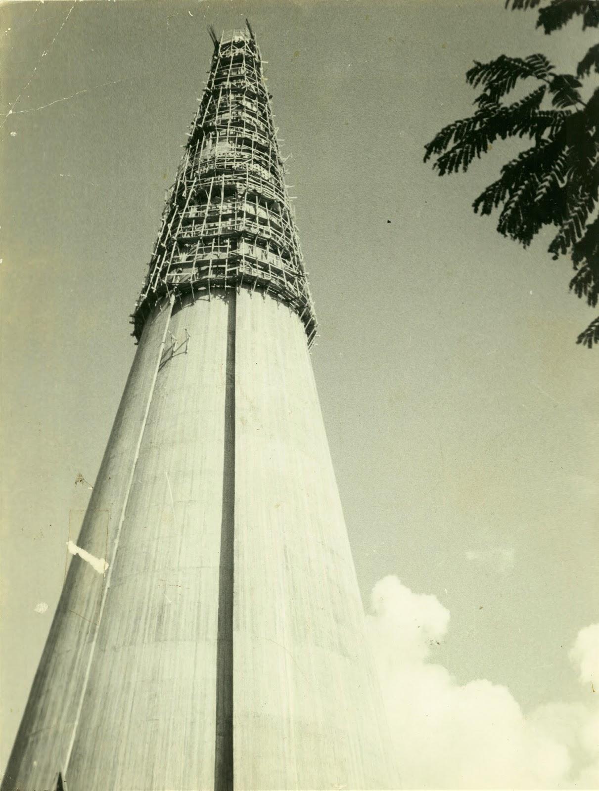 Fase final das obras da Catedral - 1972