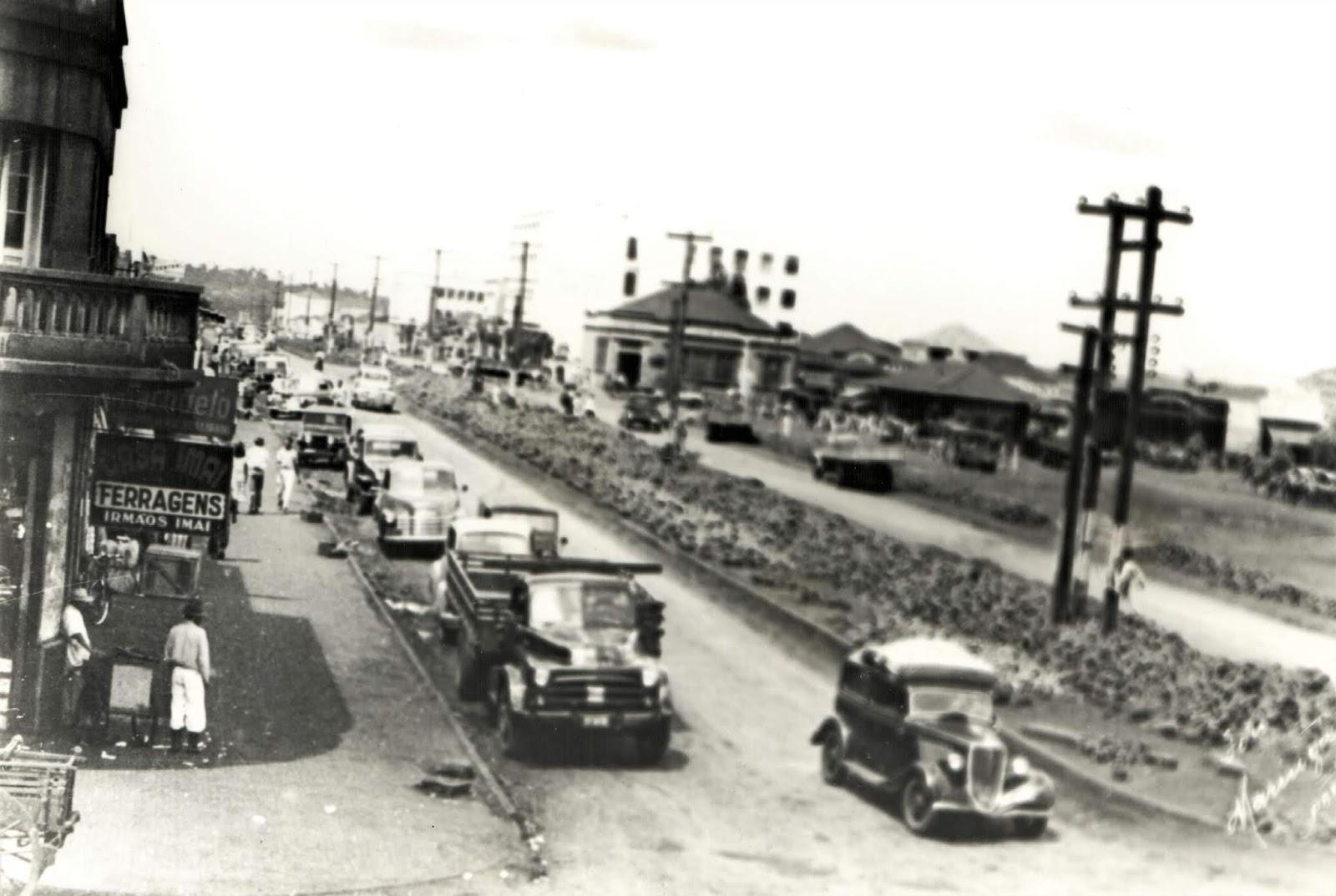 Avenida Brasil esquina com a rua General Câmara - Década de 1950