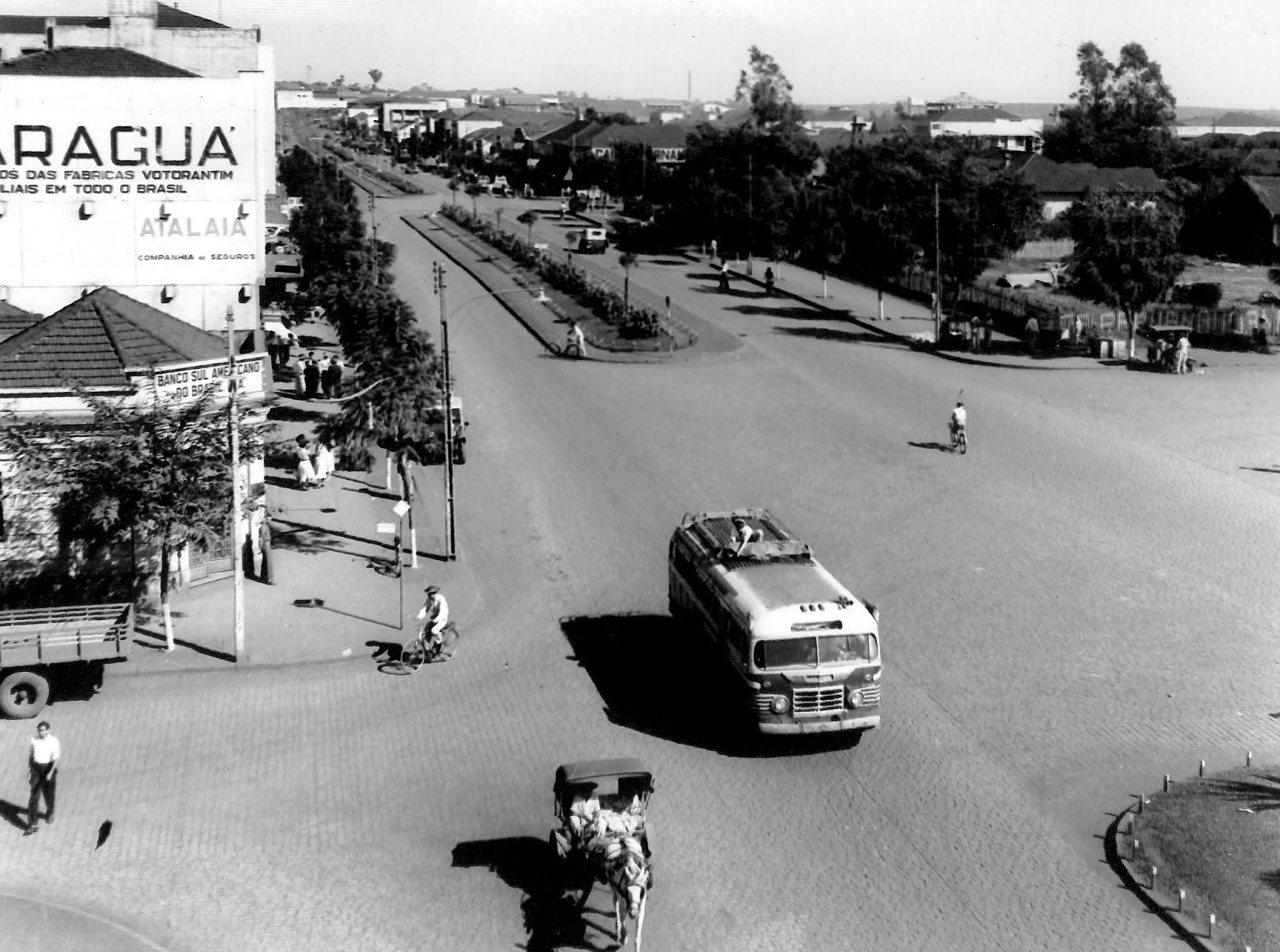 Avenida Brasil x Avenida Getúlio Vargas - Final dos anos 1950