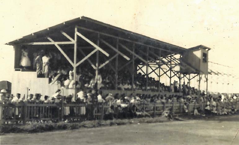 Arquibancada do campo do SERM - Década de 1950
