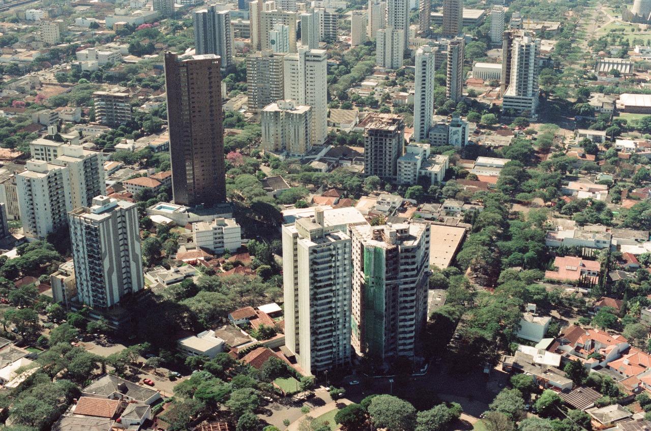 Avenidas Tiradentes e Cidade de Leiria - 1989