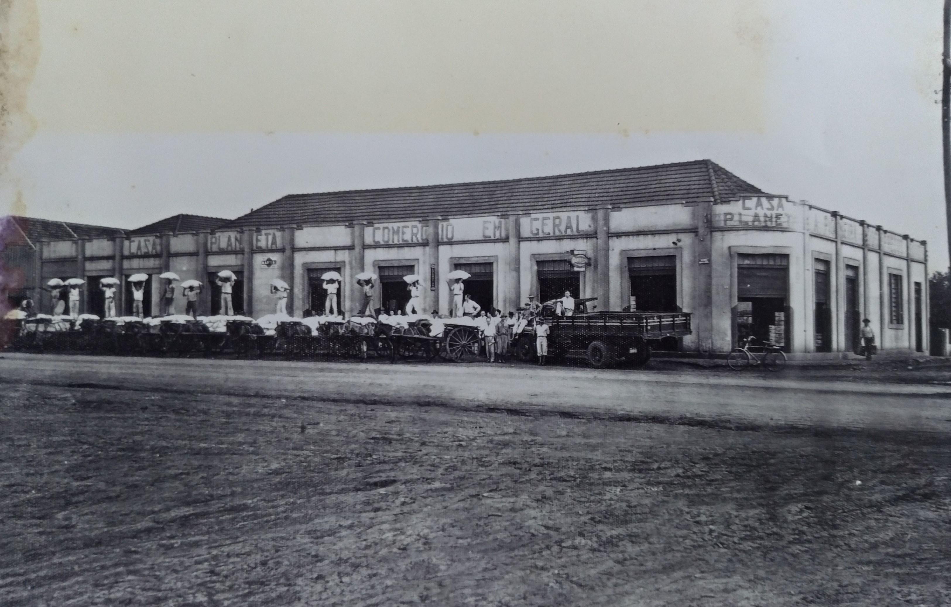 1ª caixa postal e 1º banco de Maringá - Anos 1940