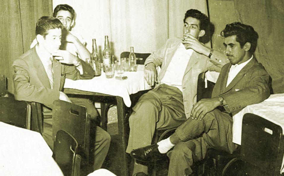 Amigos no Grêmio dos Comerciários - 1957