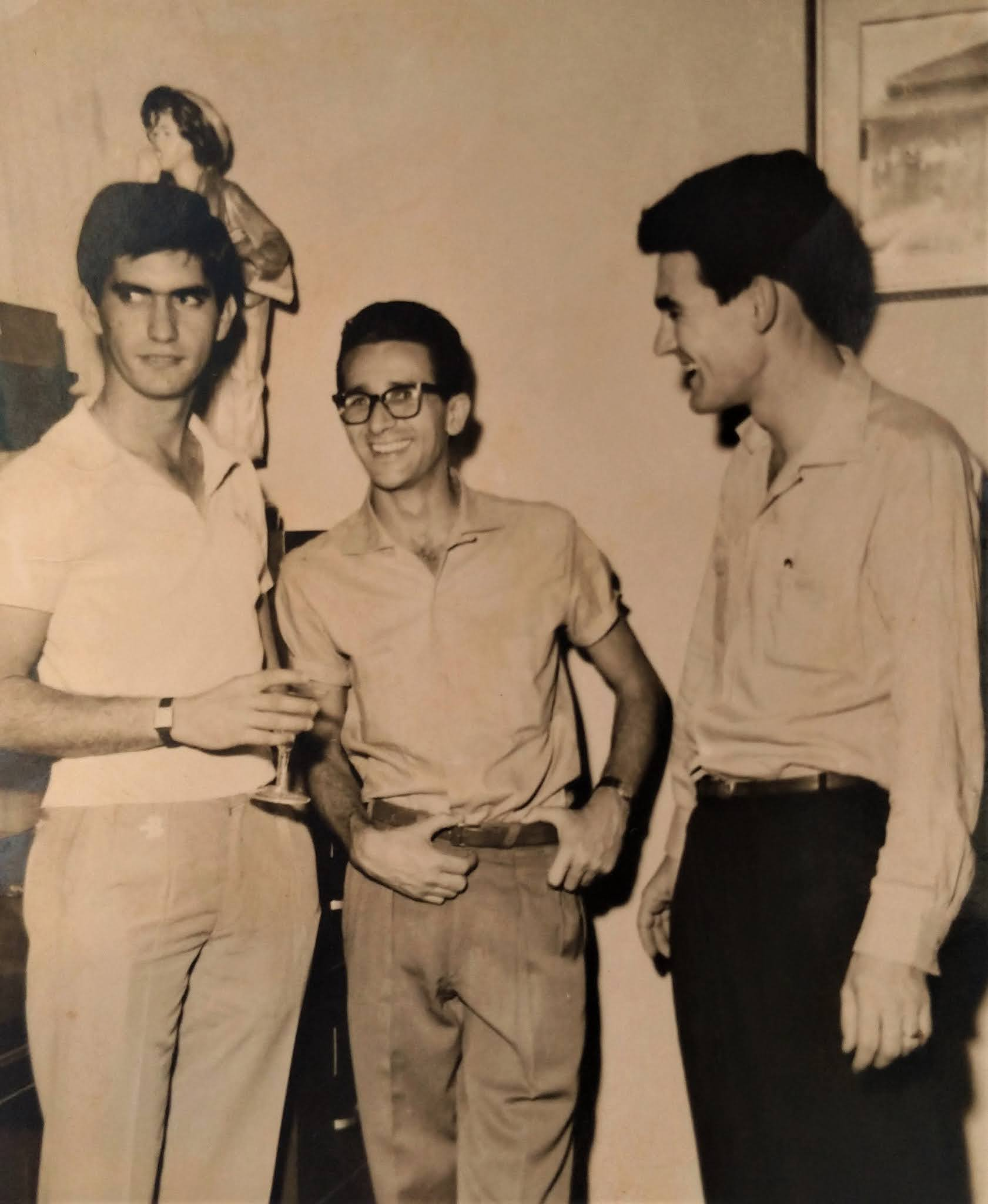 Parceiros na redação de A Tribuna de Maringá - 1959