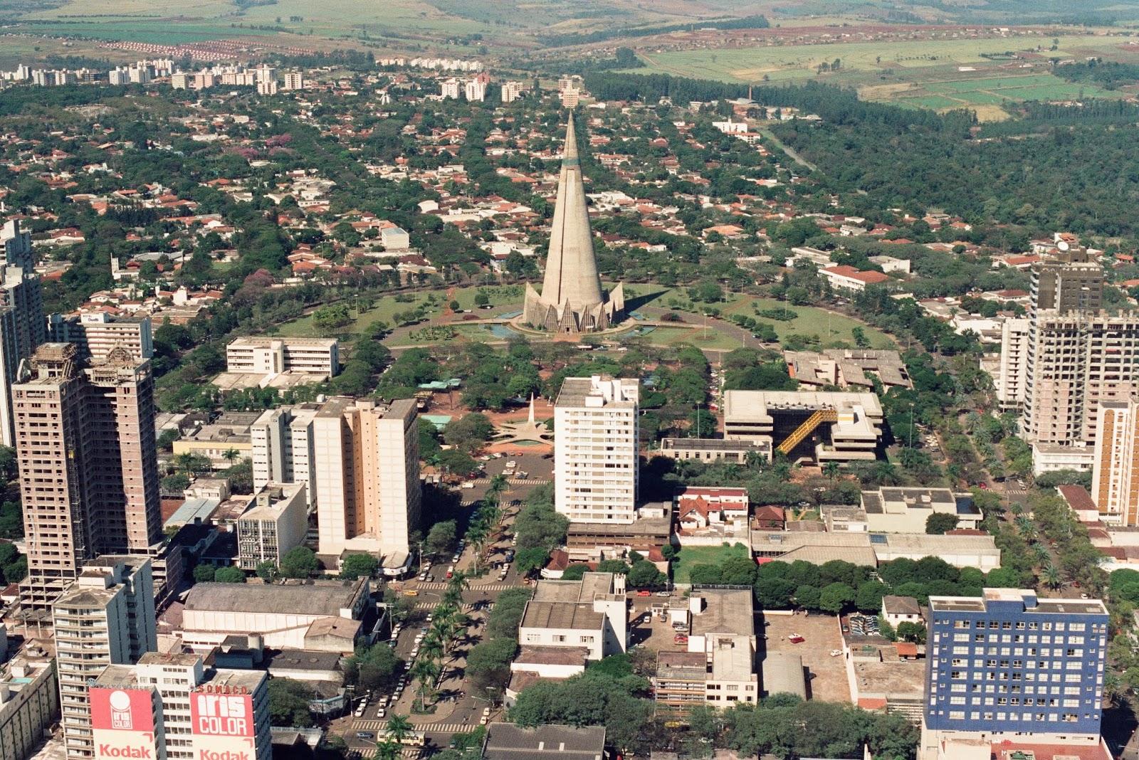 Catedral e avenida Getúlio Vargas - 1989