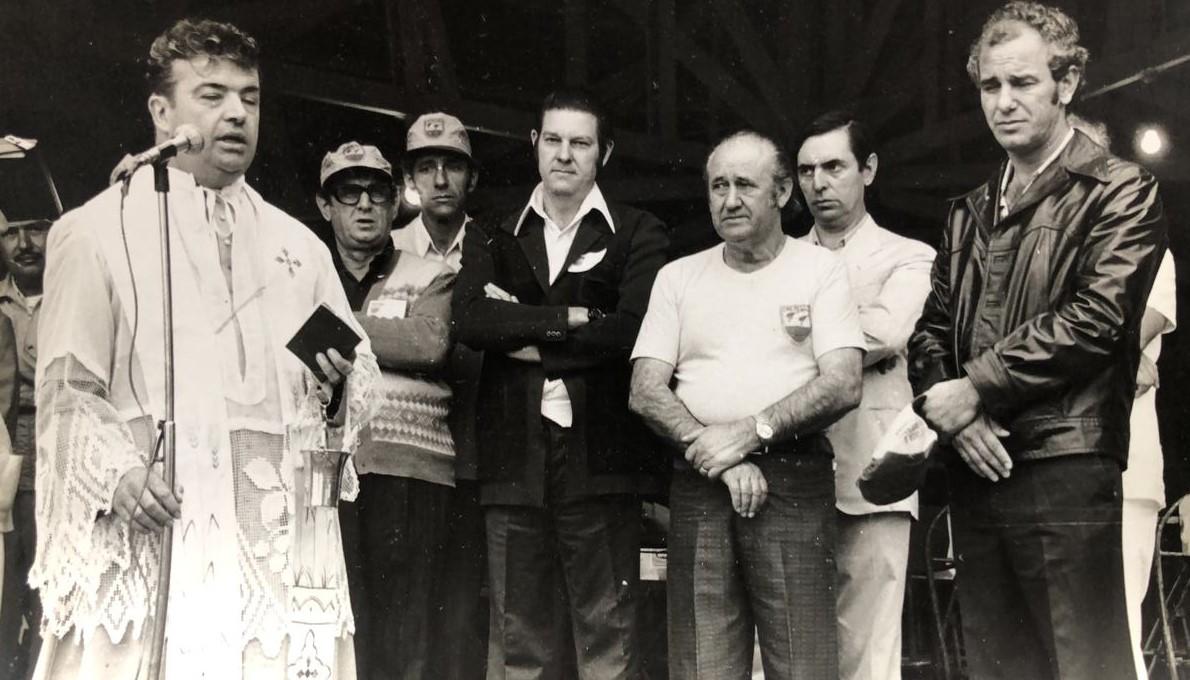 Solenidade no Clube de Caça e Pesca de Maringá - Anos 1970