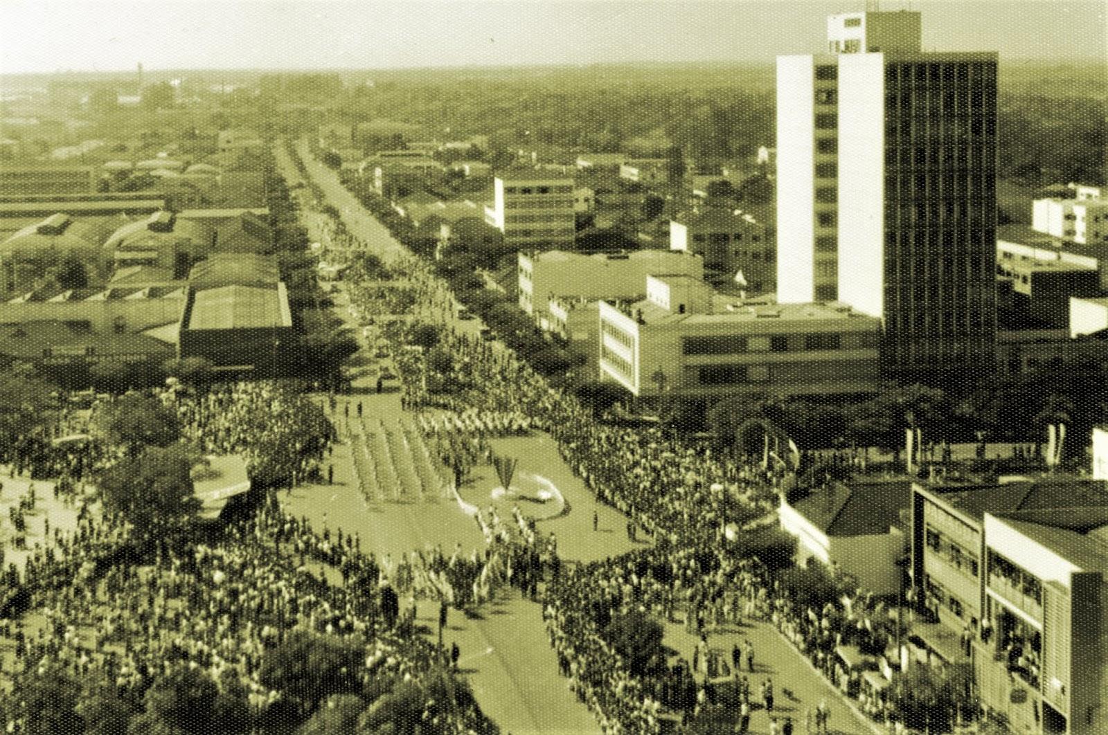 Desfile realizado ao longo dos anos 1960
