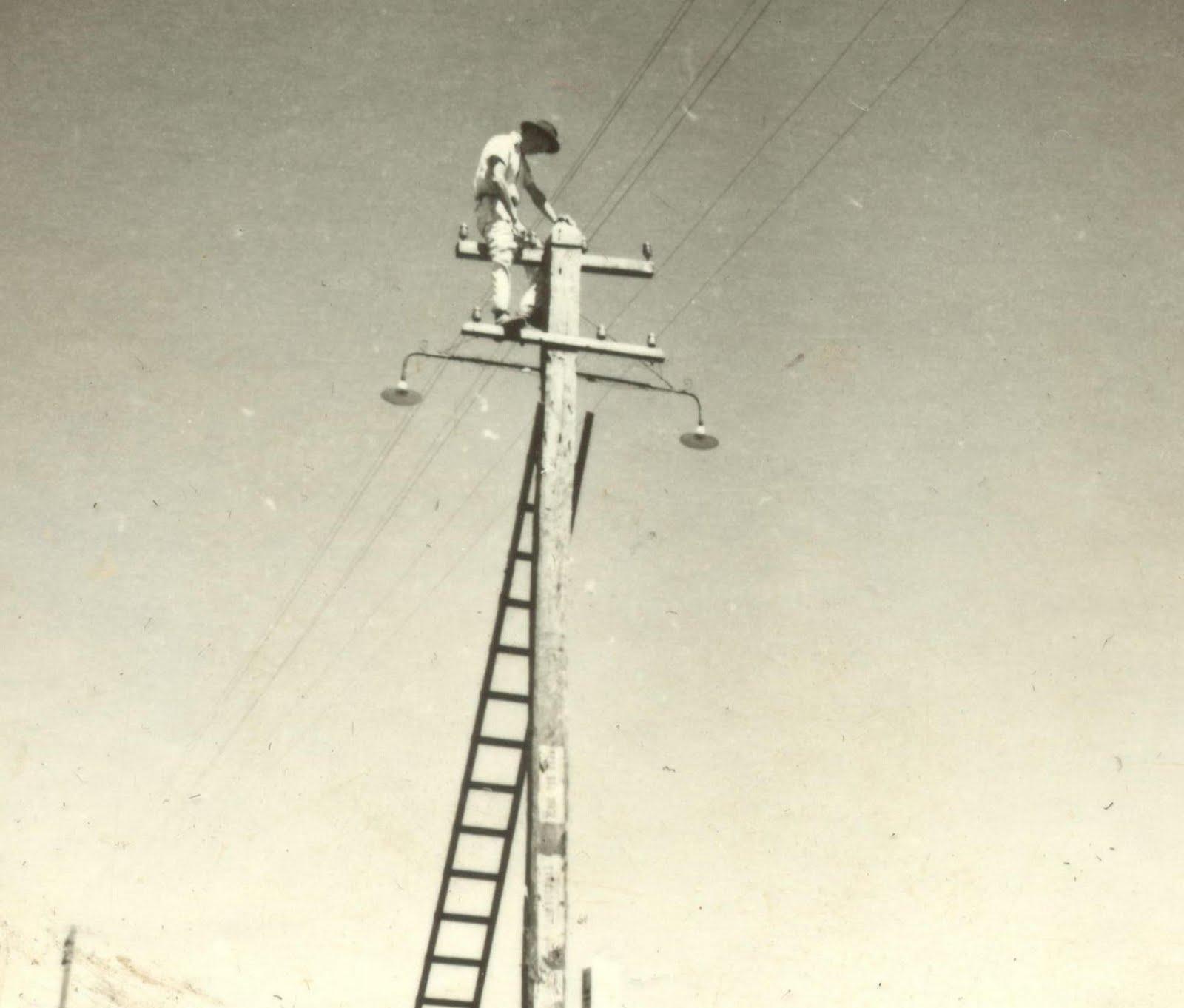 Instalação da iluminação pública - 1958
