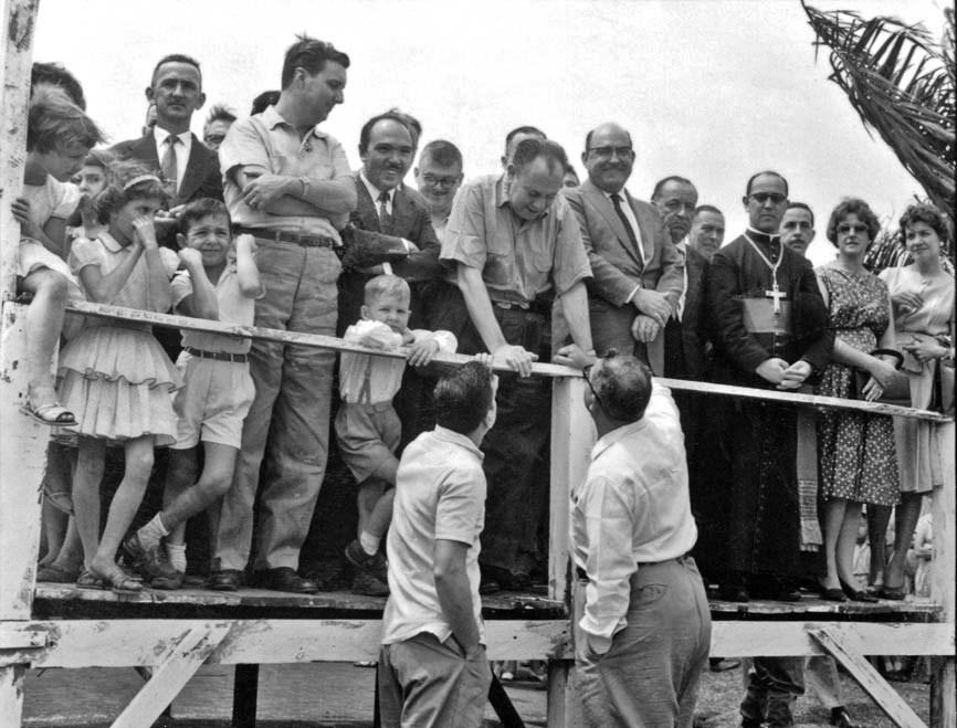 Desfile comemorativo ao dia da árvore - Década de 1950