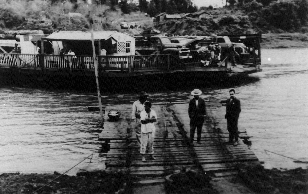 Balsa no Rio Ivaí - Década de 1950