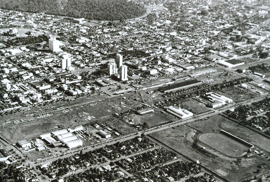 Vista aérea do centro de Maringá - Década de 1960