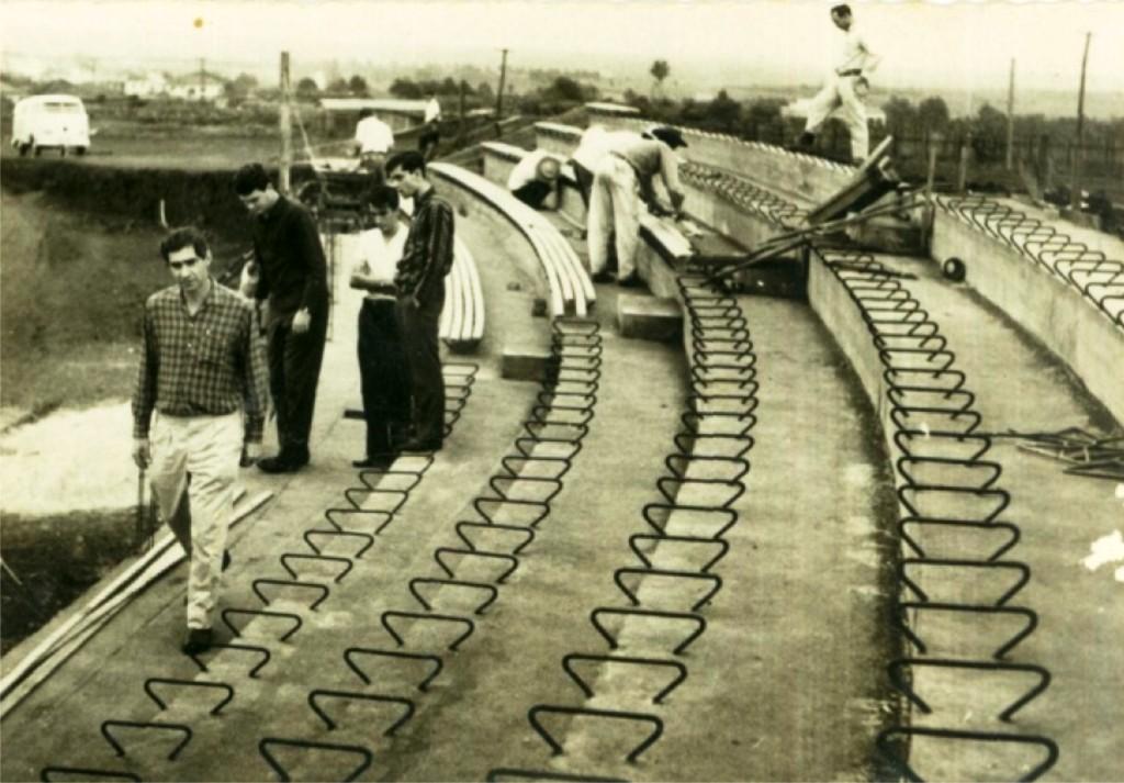 Construção das arquibancadas - Estádio Willie Davids
