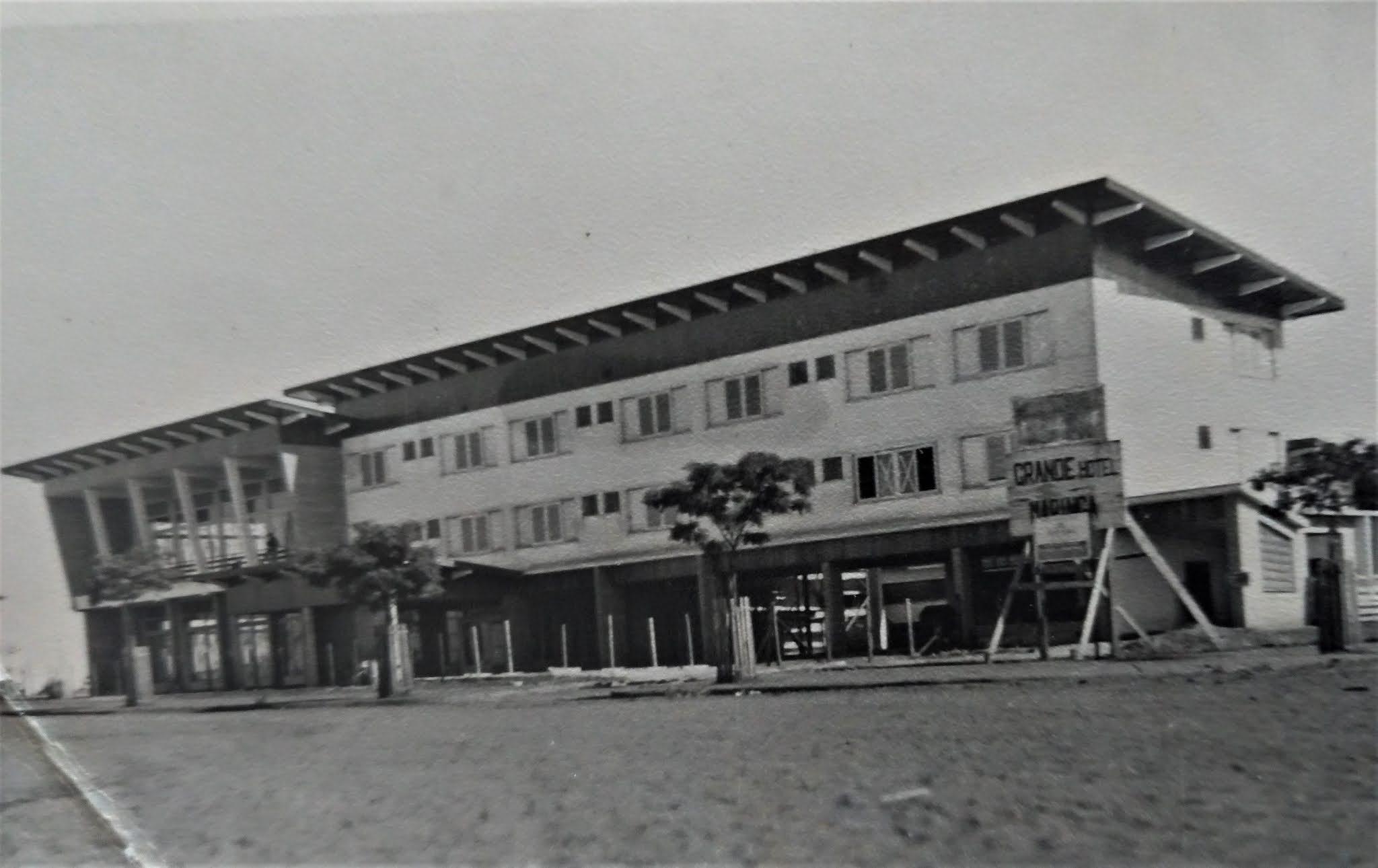 Fase final das obras no Grande Hotel Maringá - 1956