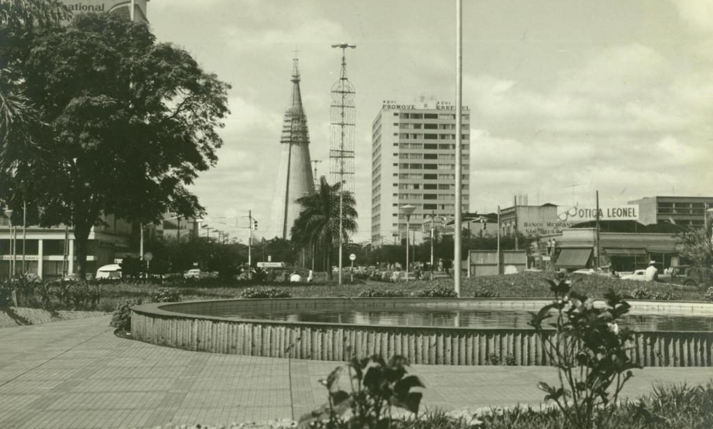 Praça Raposo Tavares - Início da década de 1970