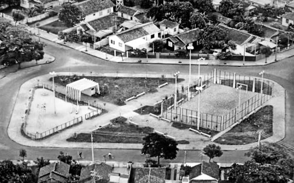 Praça Oswaldo Vieira - 1980