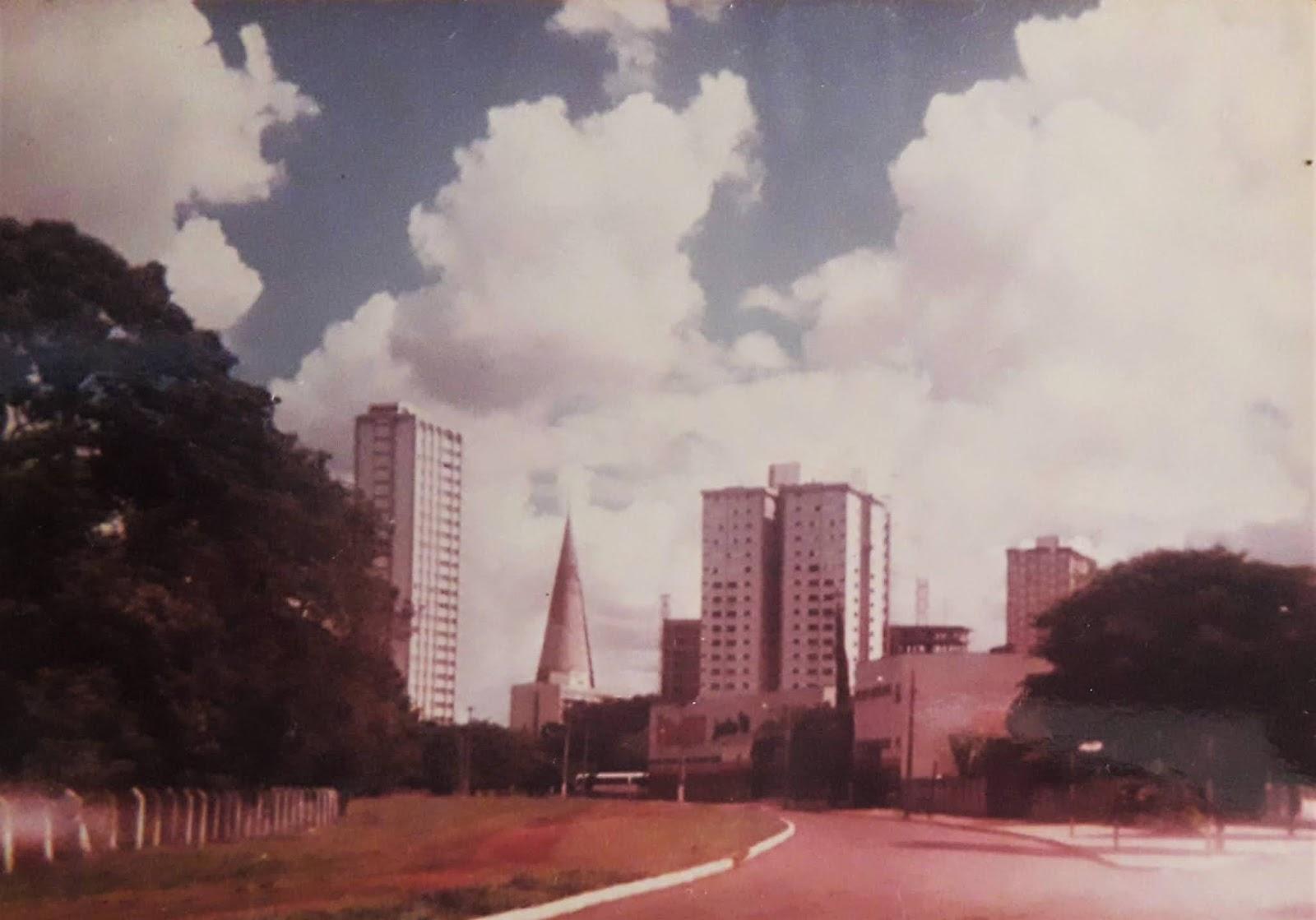 Avenida Laguna e Rua Néo Alves Martins - 1985