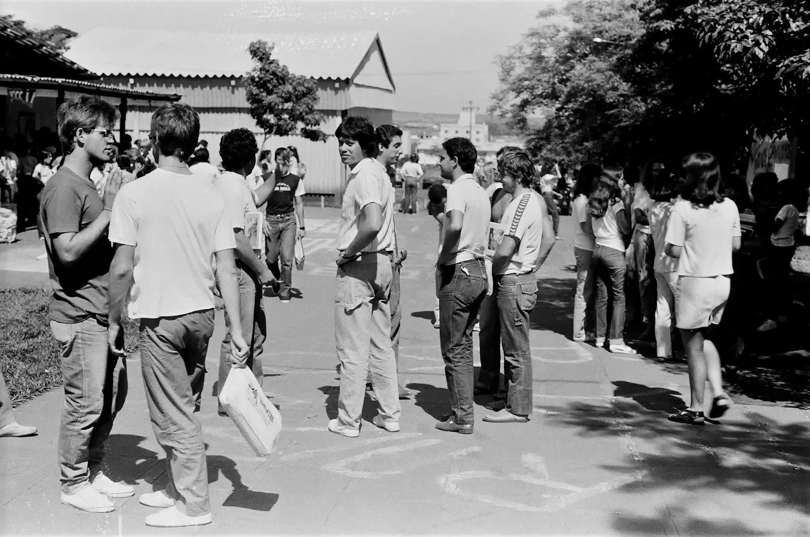 Passarela central da UEM - Década de 1980