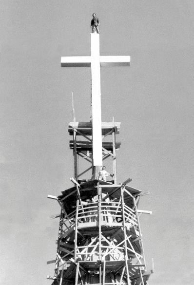 No topo da cruz - 1972