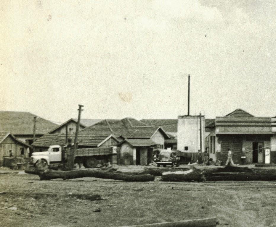 Residências x Posto Maluf - Década de 1950