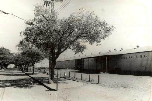 Armazéns - Estação Ferroviária de Maringá