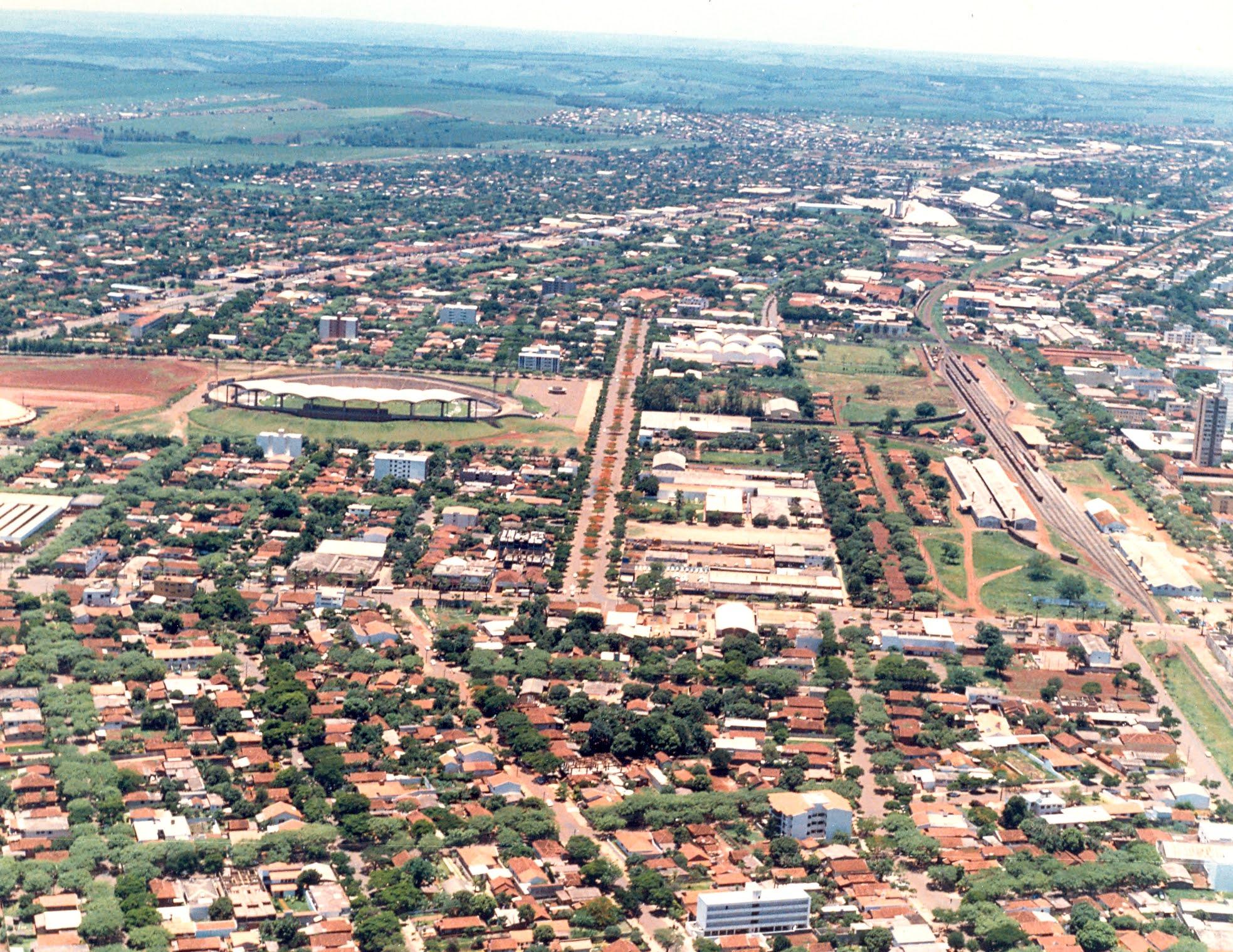 Vista aérea do Centro de Maringá - Anos 1980
